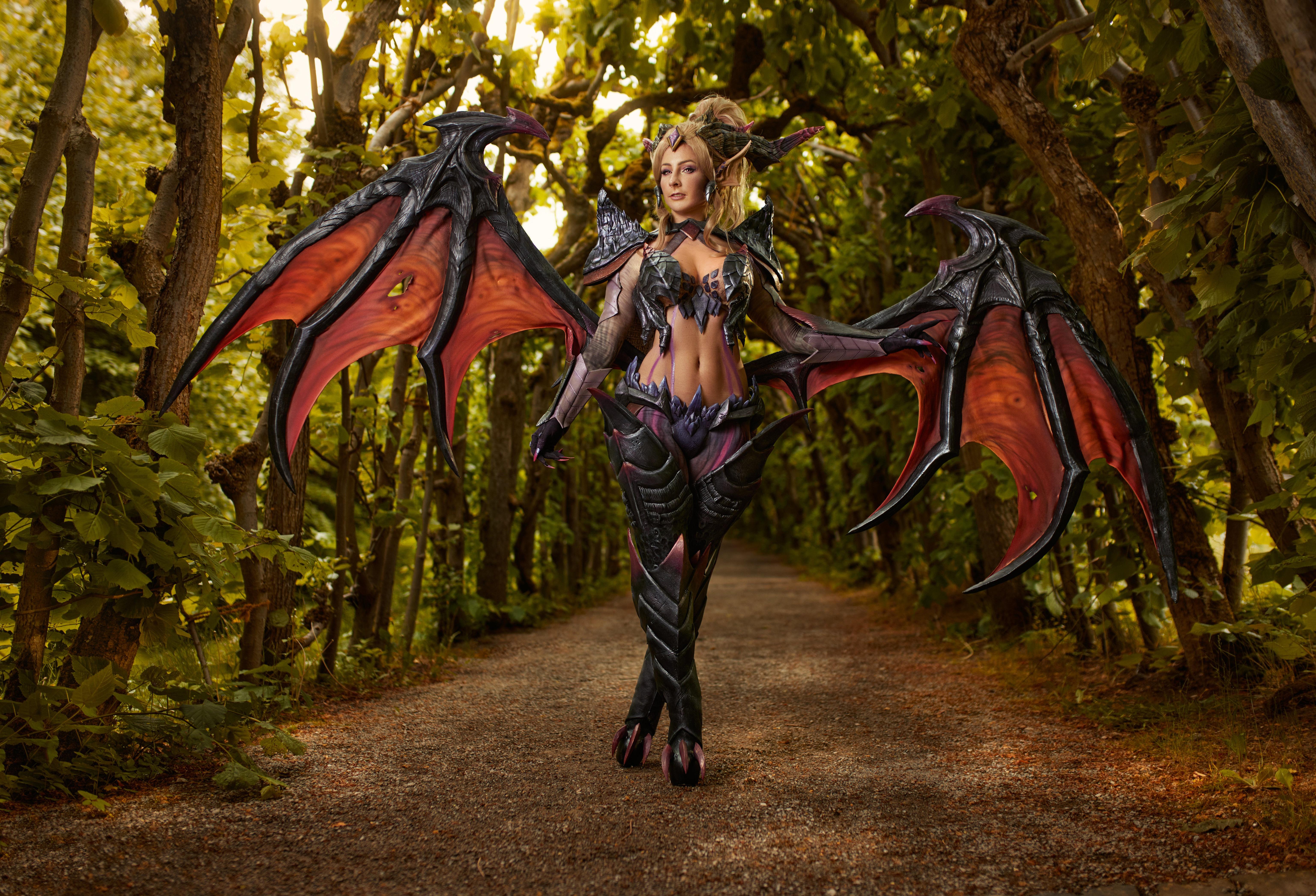 Bilde Unge kvinner League of Legends Mikhail Davydov photographer Cosplay Zyra Vinger 6144x4185 ung kvinne