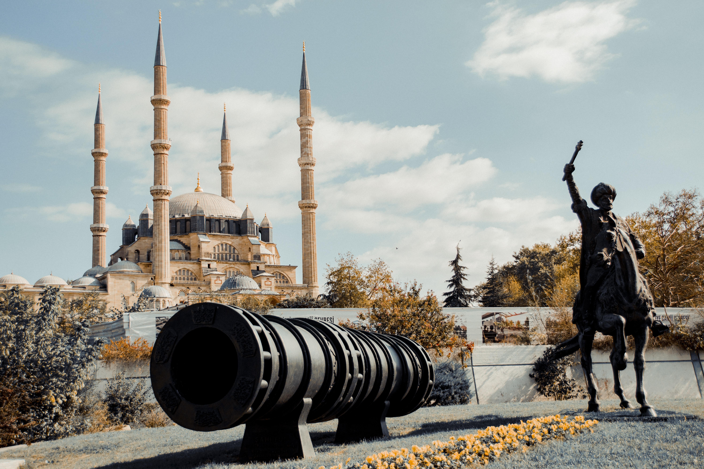 Skrivebordsbakgrunn Moské Hester Tyrkia en kanon Selemiye Mosque, Edirne Byer Skulptur hest tamhest Kanoner byen en by