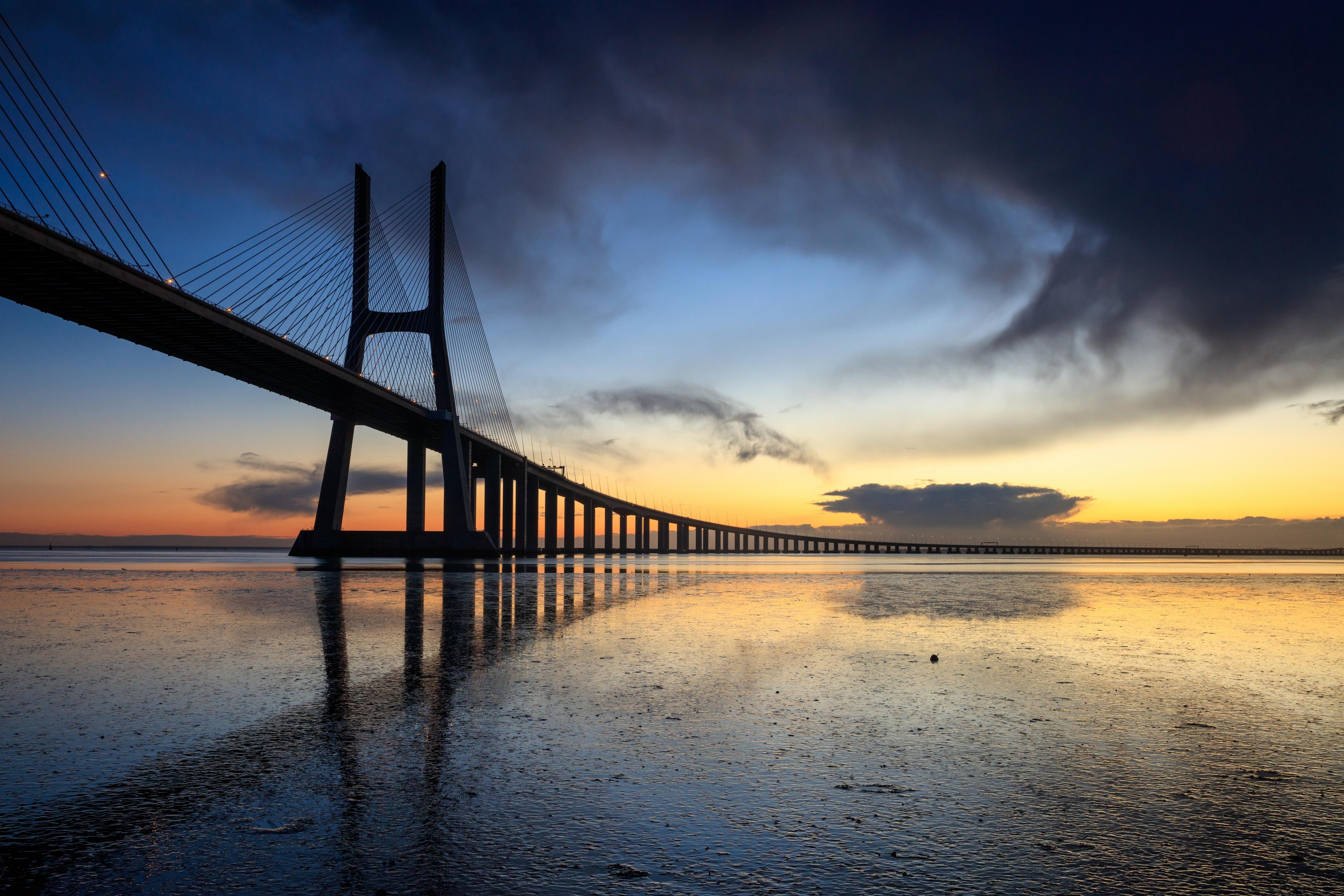 、夕、橋、ポルトガル、リスボン、Vasco da Gama bridge、、都市、