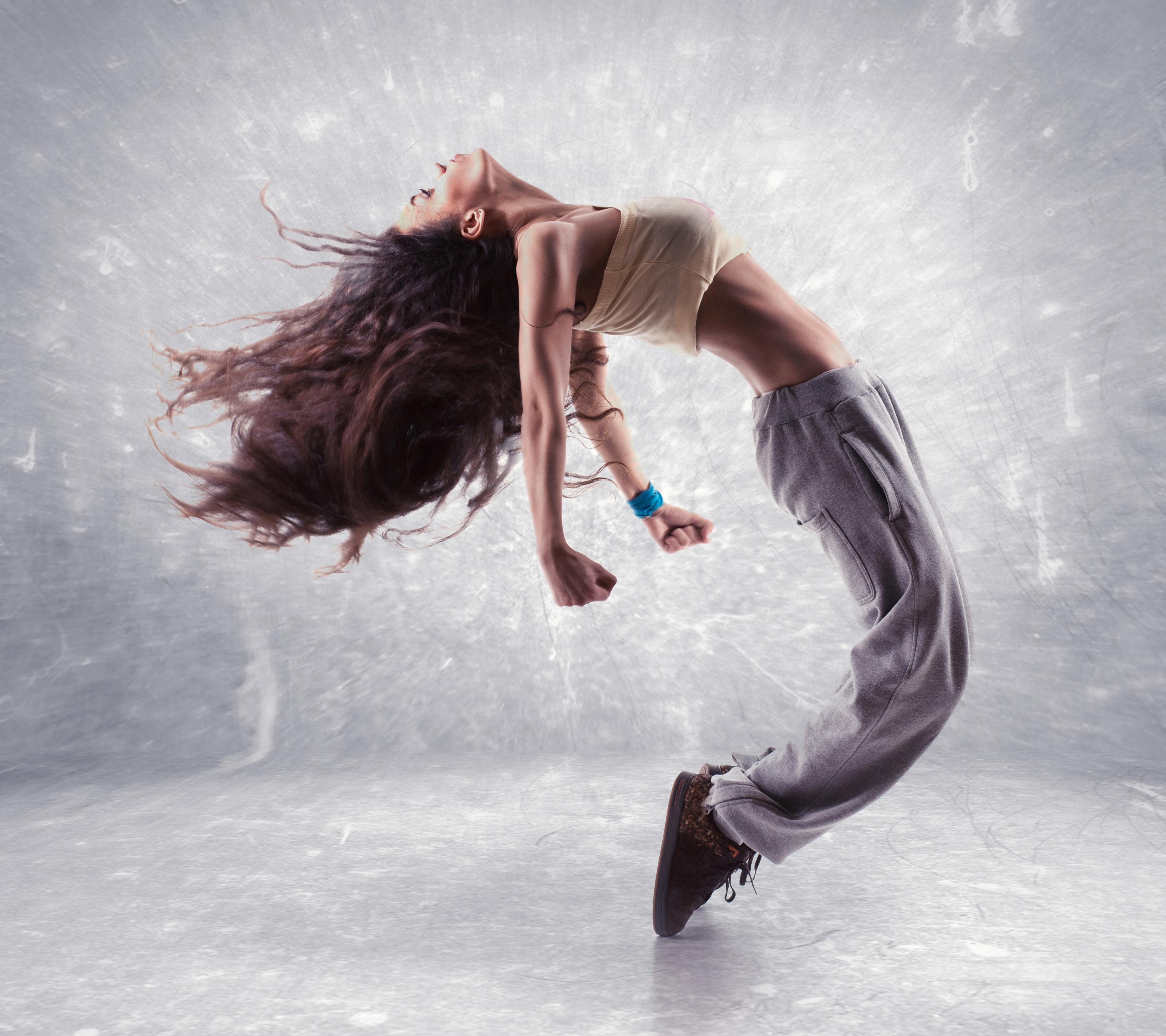 Fonds D Ecran 3600x3200 Aux Cheveux Bruns Danse Main Filles Telecharger Photo