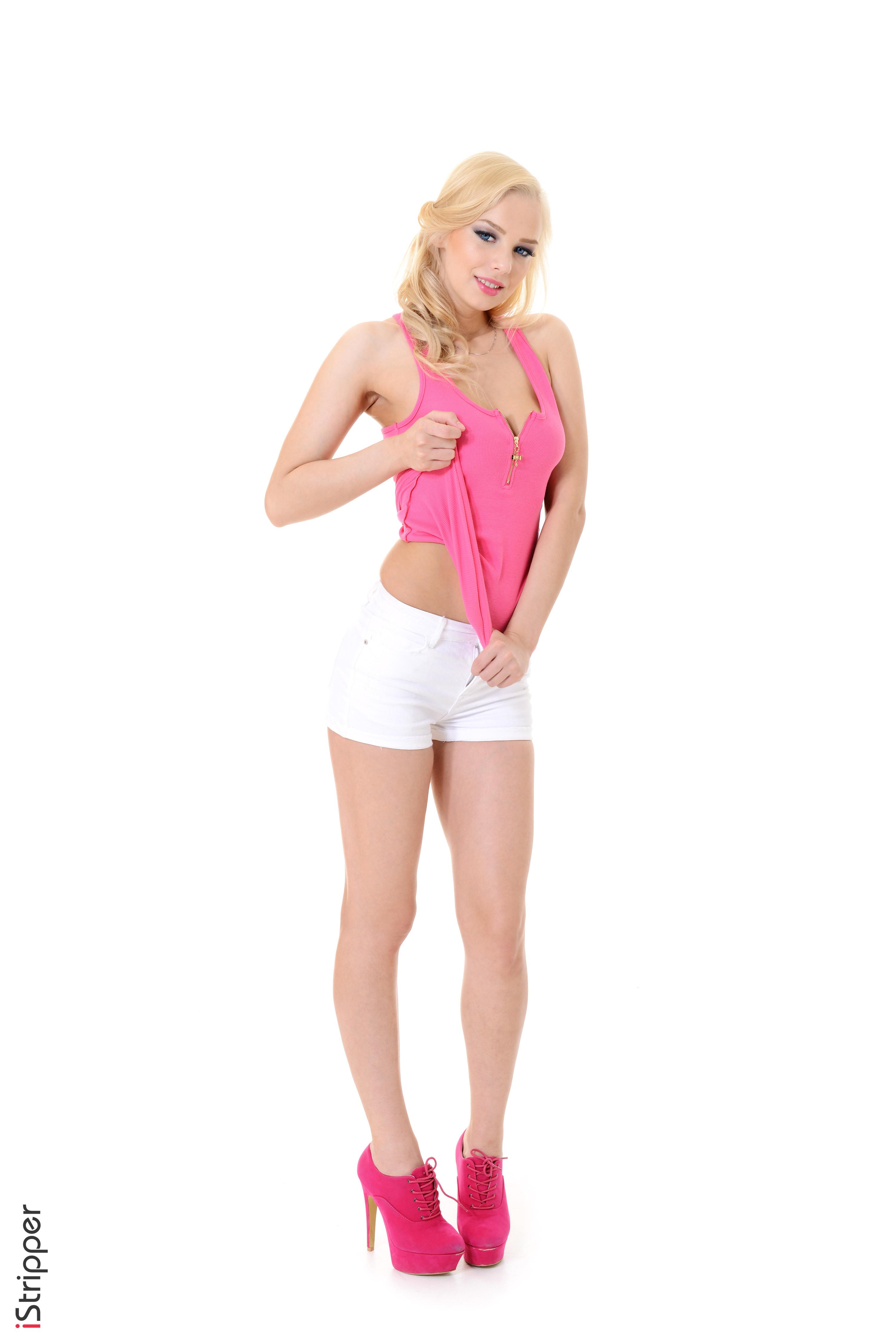 Fotos Estonika Blond Mädchen iStripper Mädchens Bein Hand Shorts Weißer hintergrund High Heels 3003x4500 für Handy Blondine junge frau junge Frauen Stöckelschuh