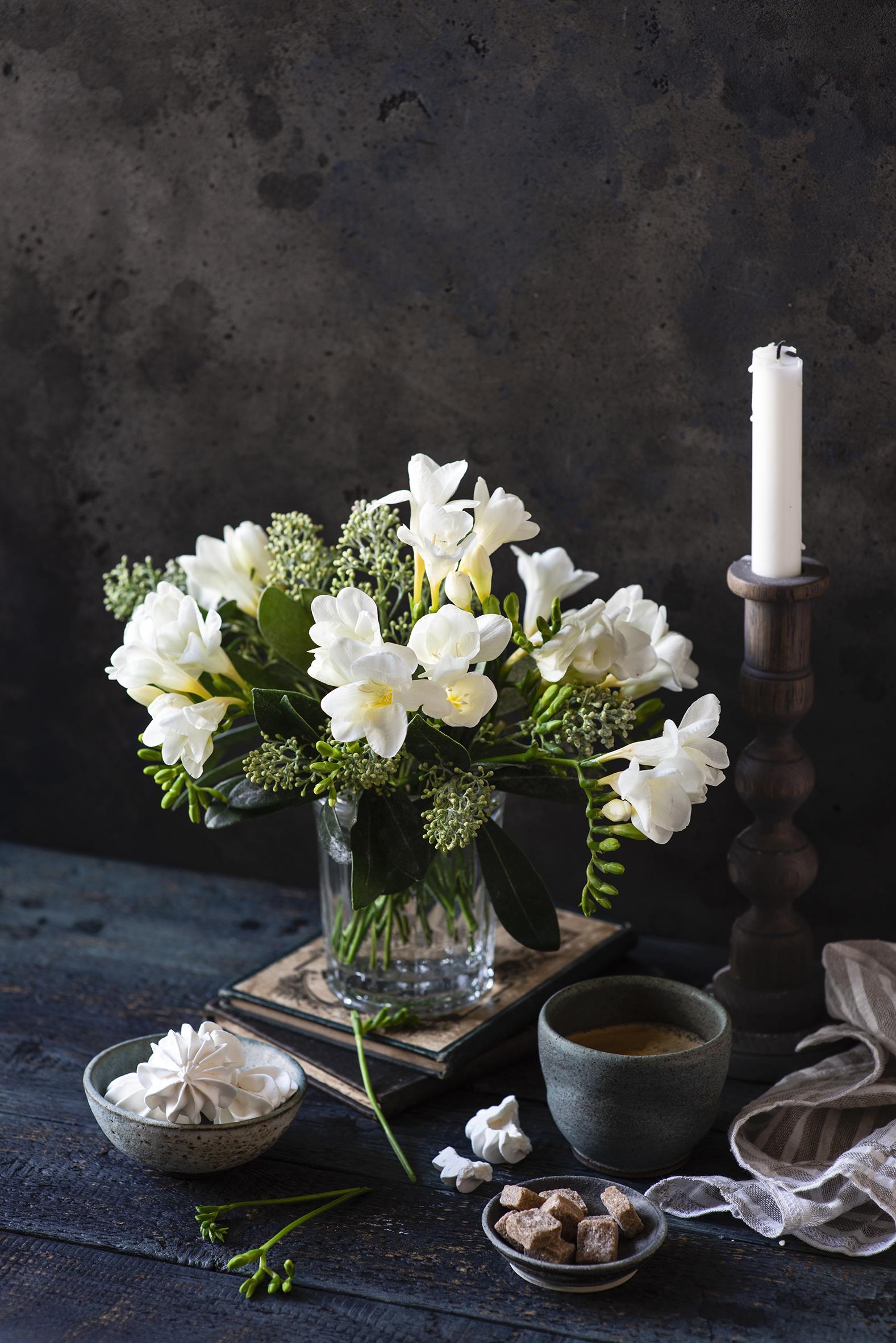 Bilder von Weiß Zefir Zucker Kaffee Blüte Freesien Vase Becher Kerzen  für Handy Blumen Freesie
