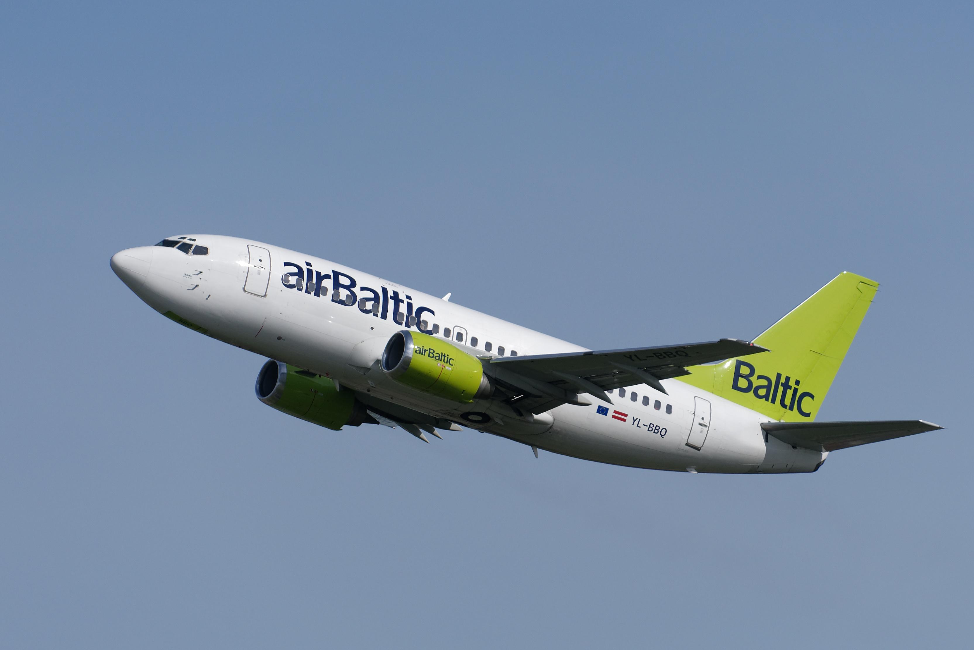 Bilder von Boeing Flugzeuge Verkehrsflugzeug Air Baltic 737-53S Luftfahrt 3329x2222