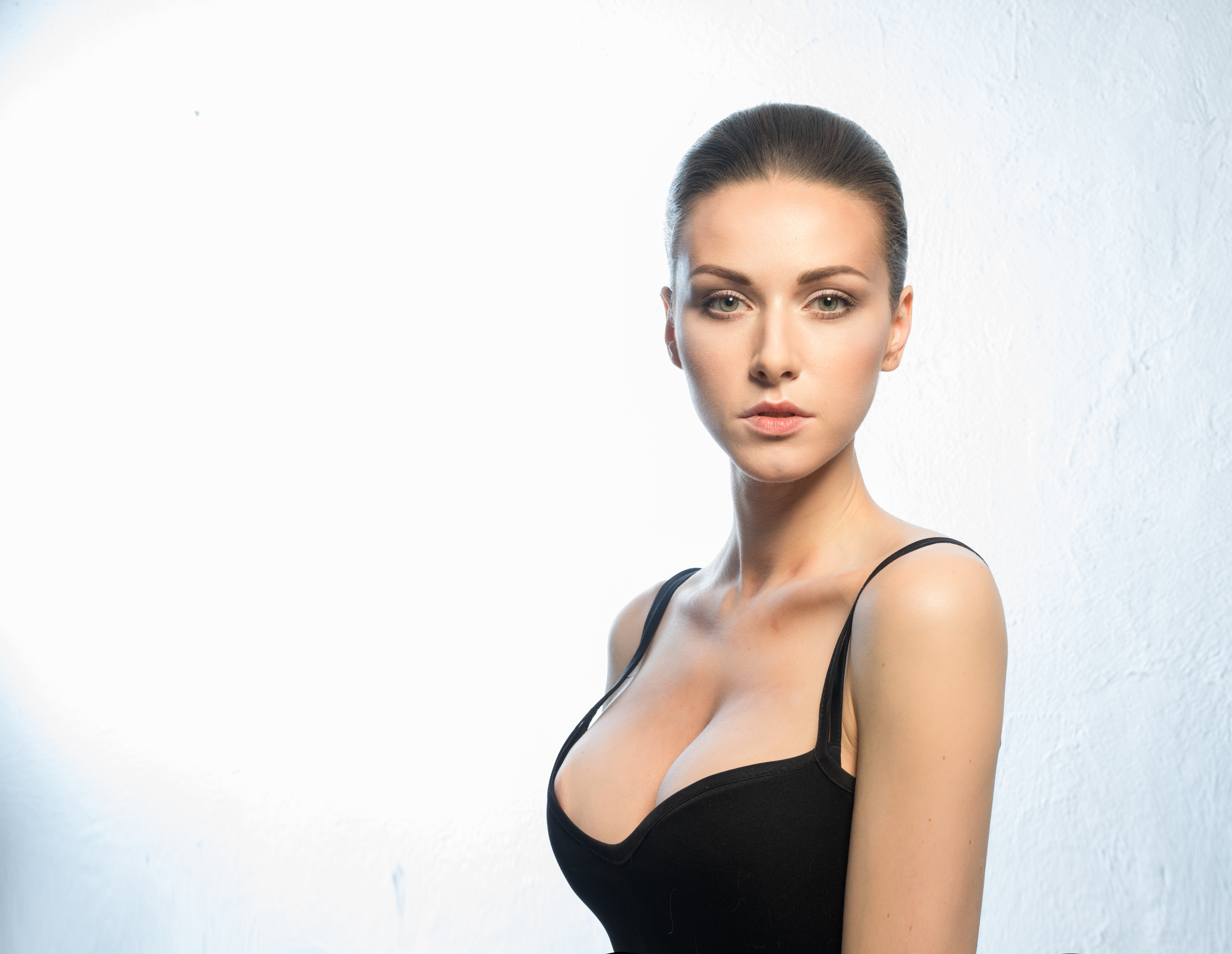 Bilder von Model Make Up schöner Dekolleté Mädchens Blick Schminke Schön schöne hübsch schönes hübsche hübscher dekolletee junge frau junge Frauen Starren