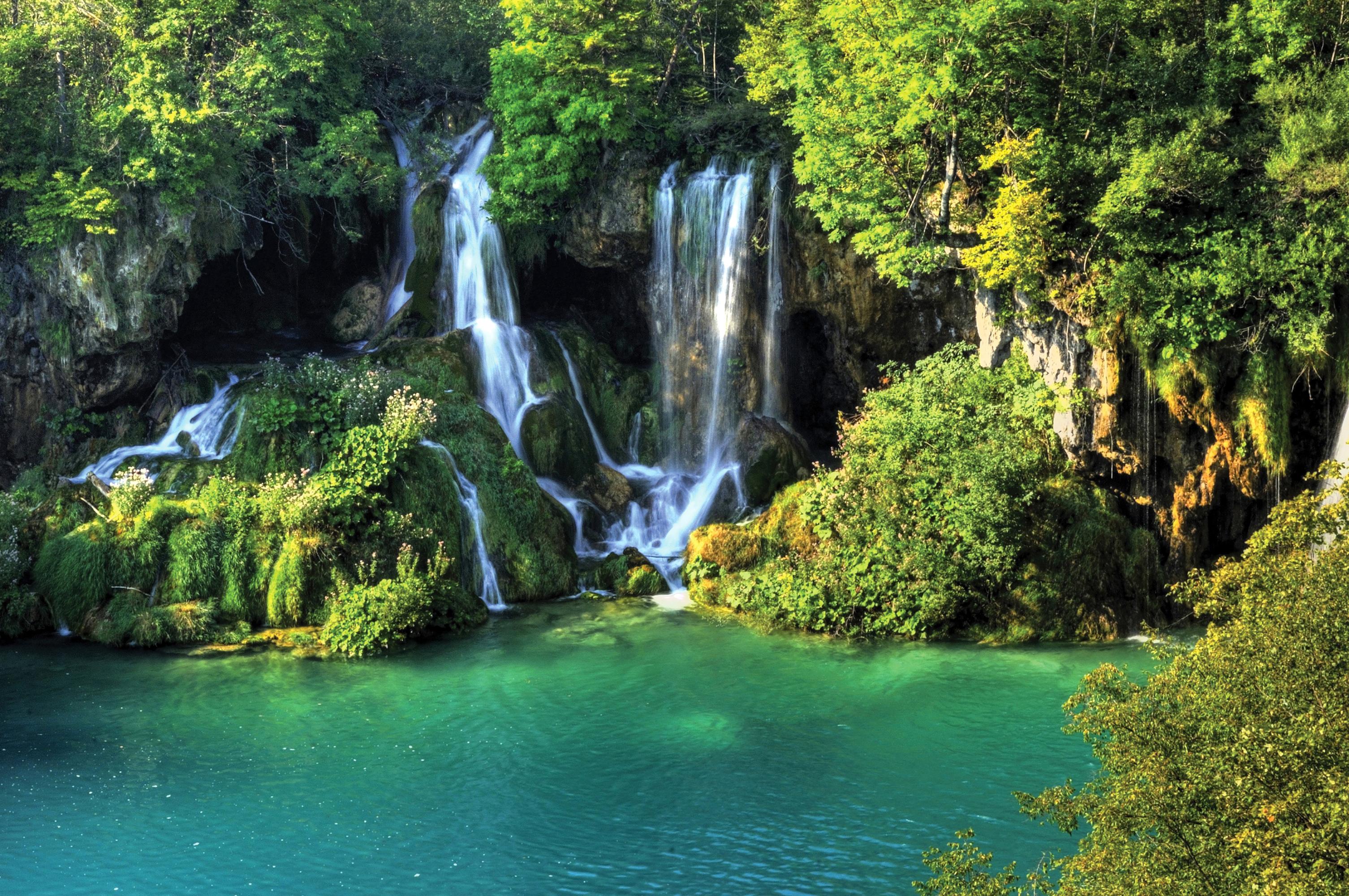 3011x2000 Tailandia Parque Cascadas Erawan waterfall Musgo parques, salto de agua Naturaleza