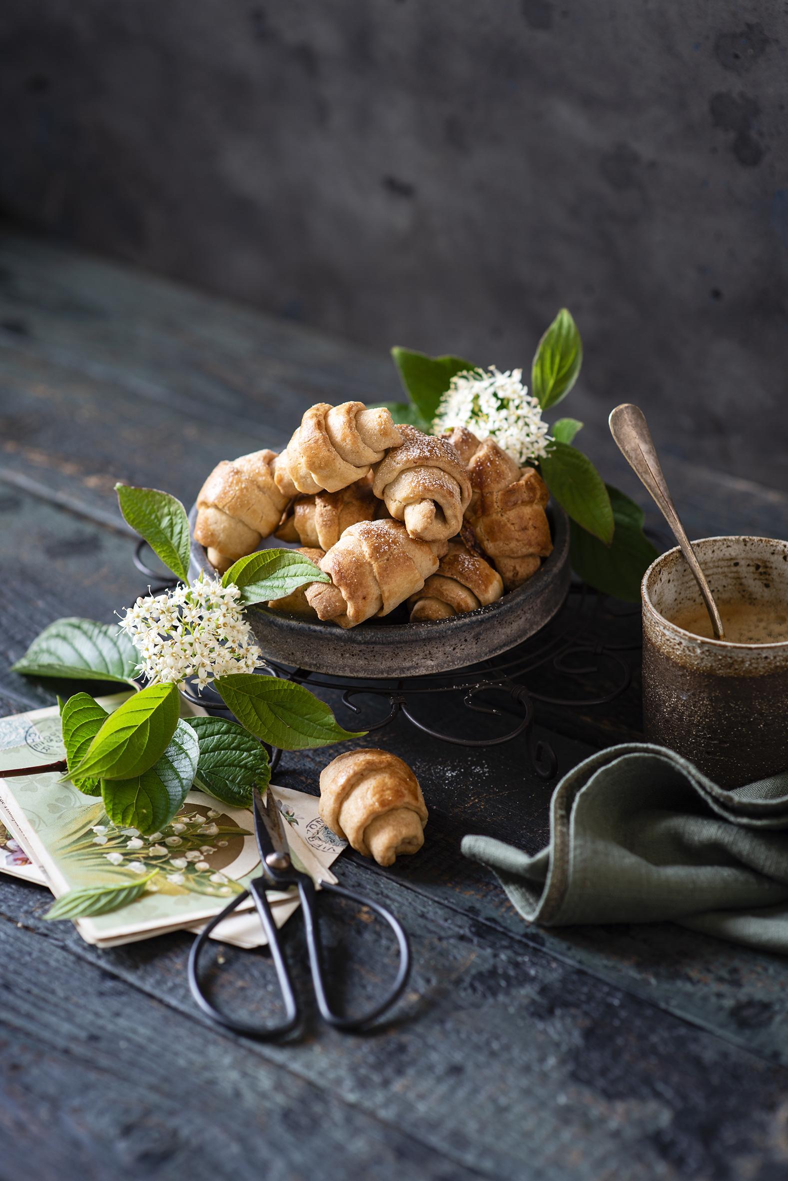 Tapeta żywność Croissant Deski Martwa natura Nożyczki  dla Telefon komórkowy Jedzenie