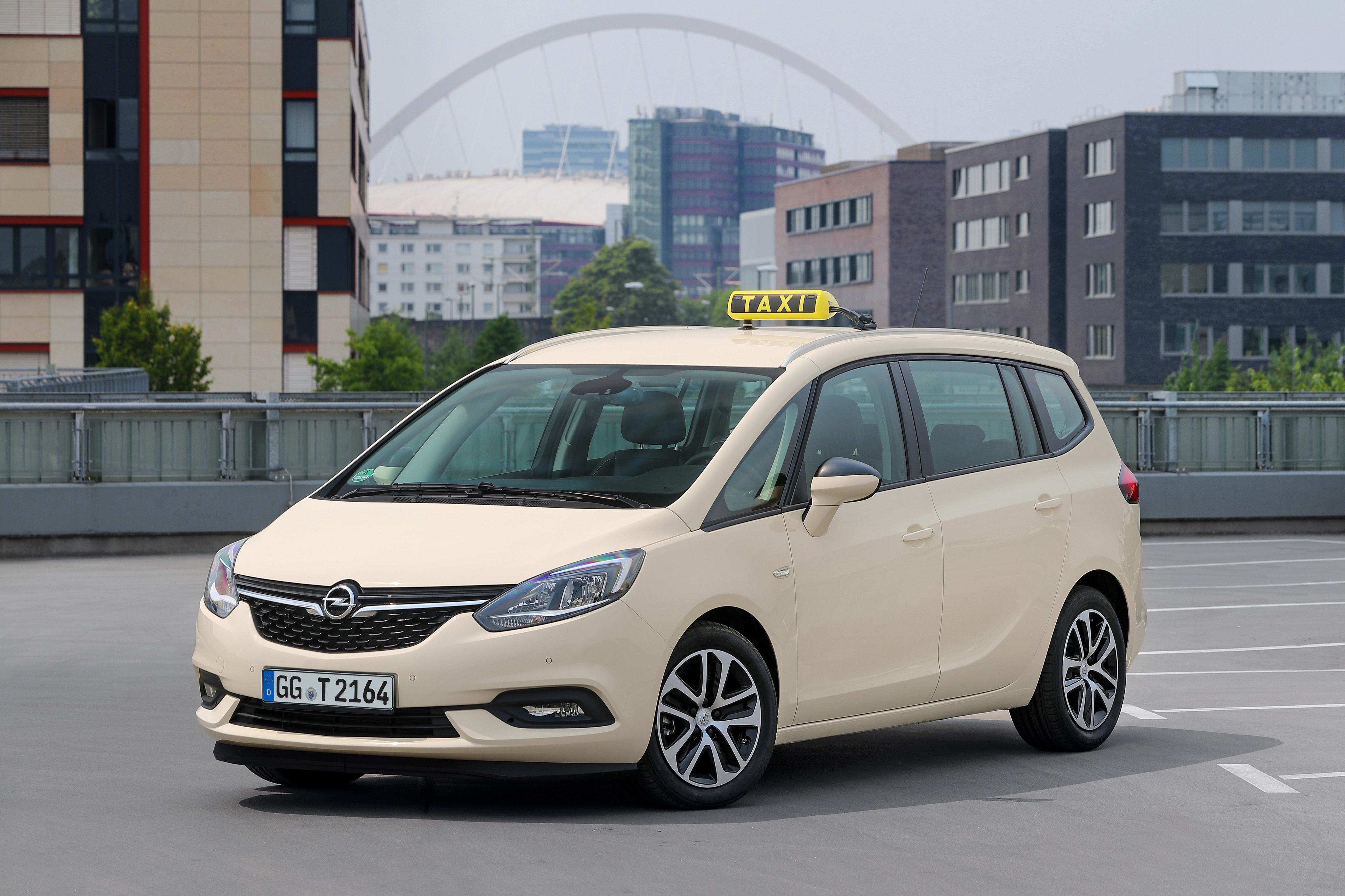 Bilde Opel taxi 2016-19 Zafira Taxi (C) Biler 4096x2730 Drosje bil automobil