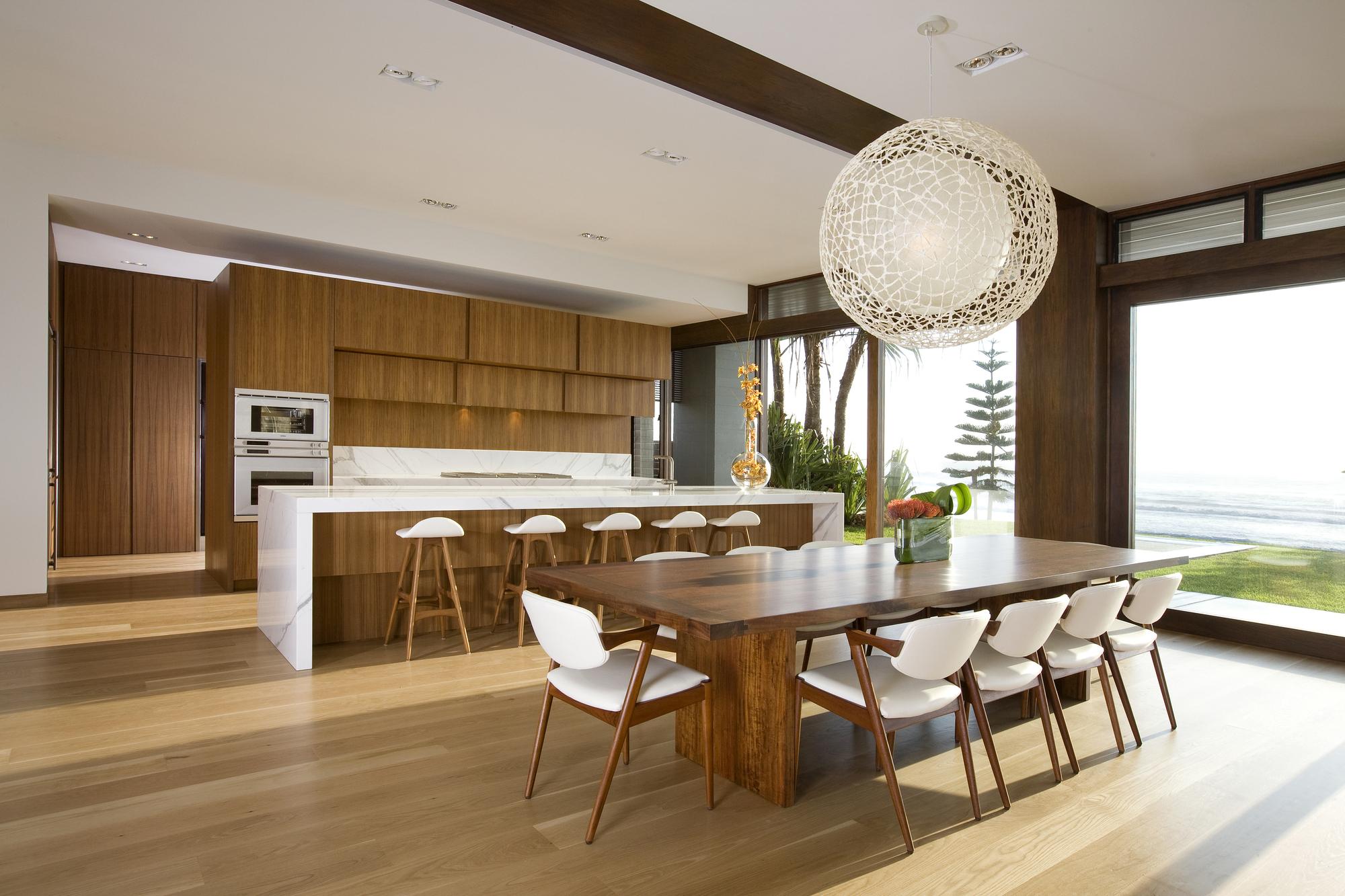 Fondos de Pantalla 2000x1333 Diseño interior Cocina Mesa Silla Techo ...