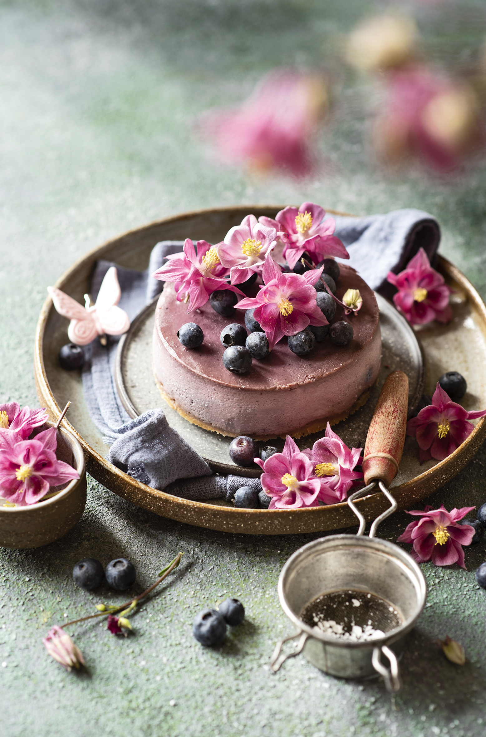 Picture Torte Petals Blueberries Food Design  for Mobile phone Cakes