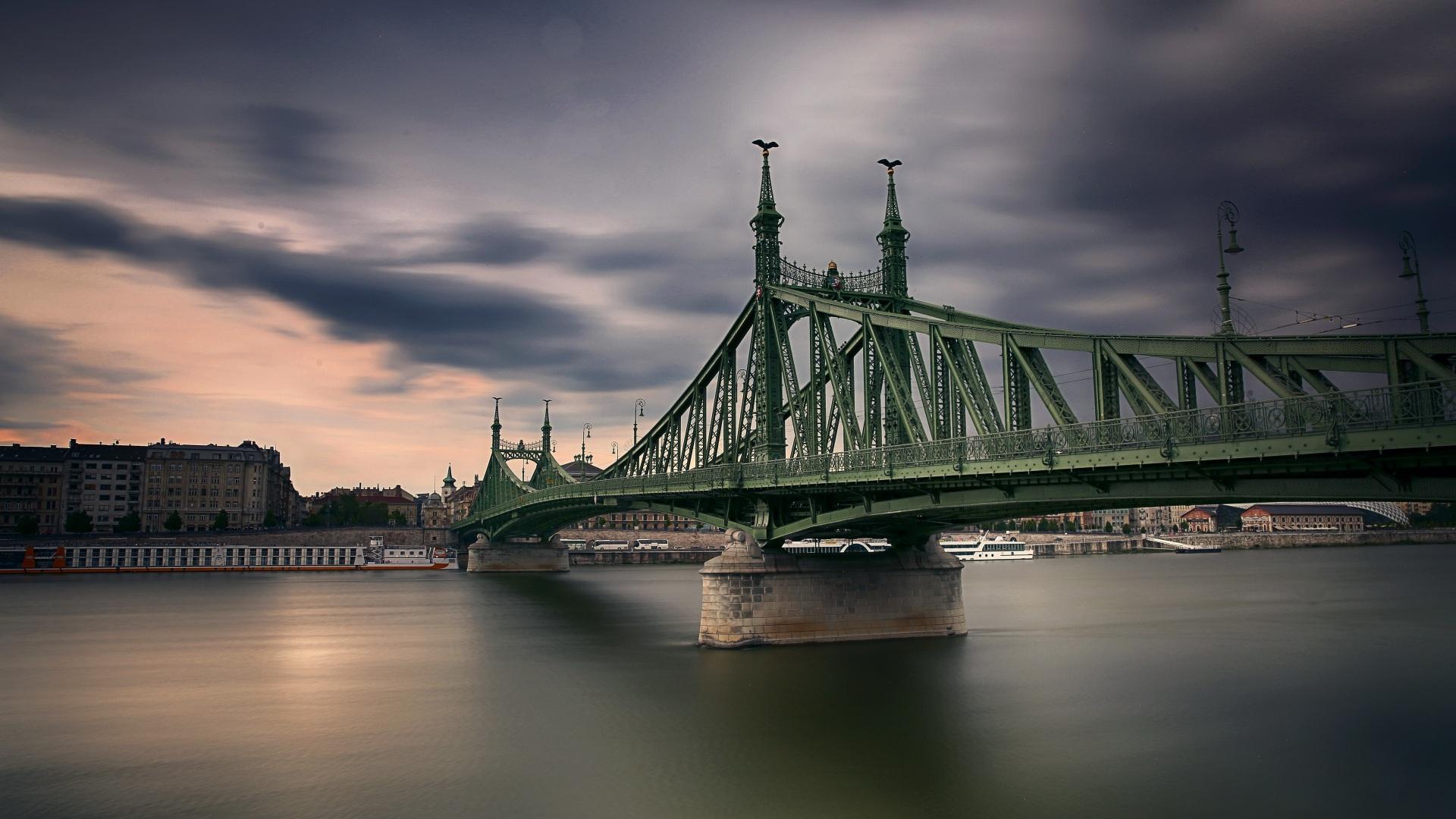 Bilder Budapest Ungarn Freedom Bridge Brücken Fluss Städte 1920x1080 Brücke Flusse