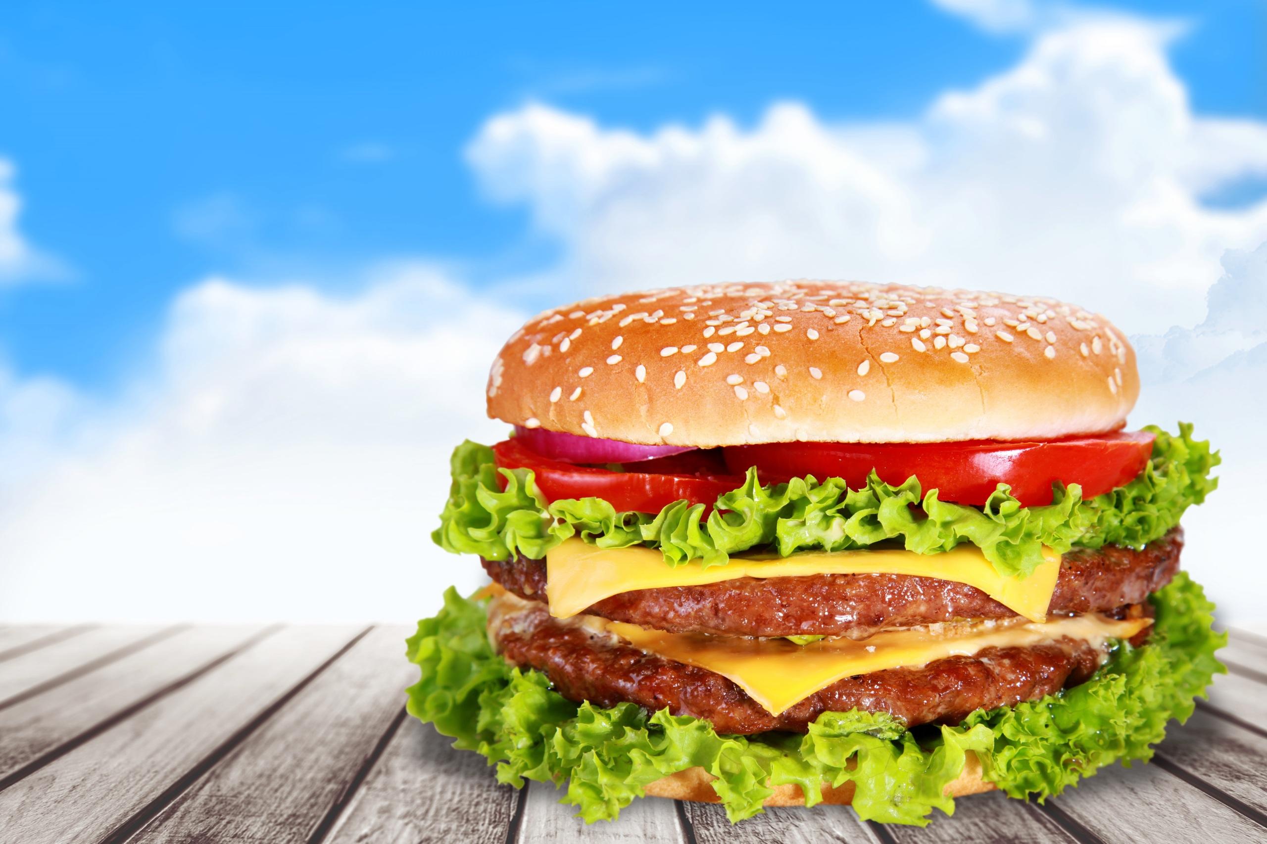 Fotos Hamburger Fast food Gemüse Lebensmittel Bretter 2560x1706 Burger das Essen