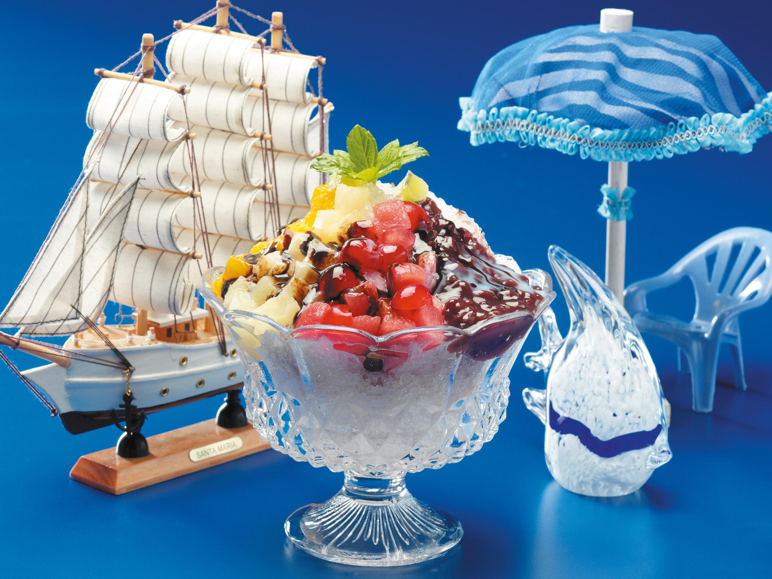 Bilder von Schokolade Dessert Obst Segeln Regenschirm Lebensmittel Design Farbigen hintergrund 2560x1920 Nachtisch