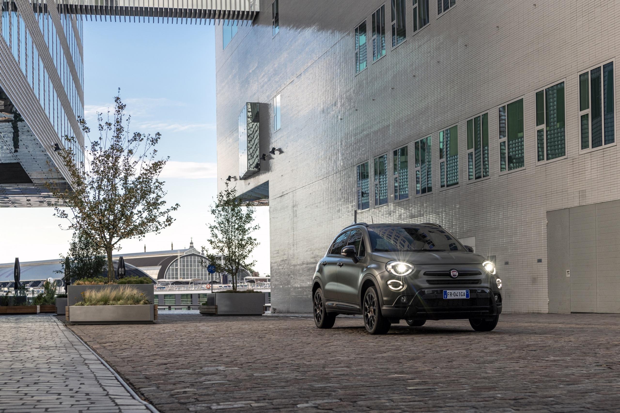 Foto Fiat 2019 500X Cross S-Design Autos 2560x1706