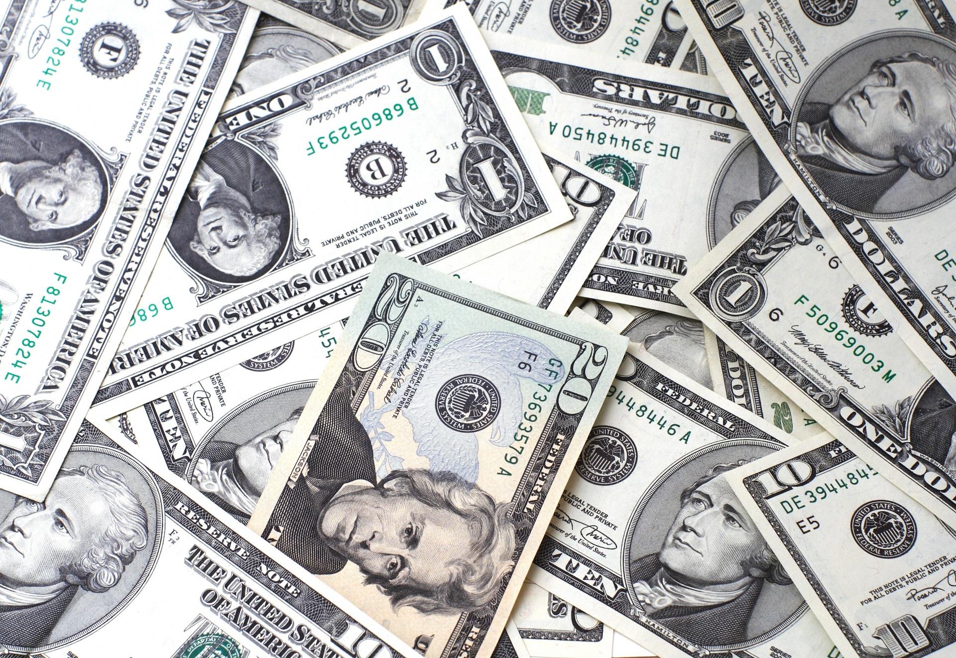 pieniadze | oszczędność | oszczędzanie | kasa | domowy budżet | filtry | dafi | brita | aquaphor
