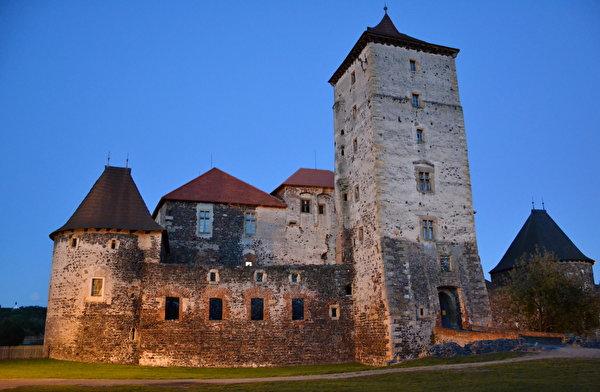 Image Czech Republic Castles Made of stone Cities 600x392 castle