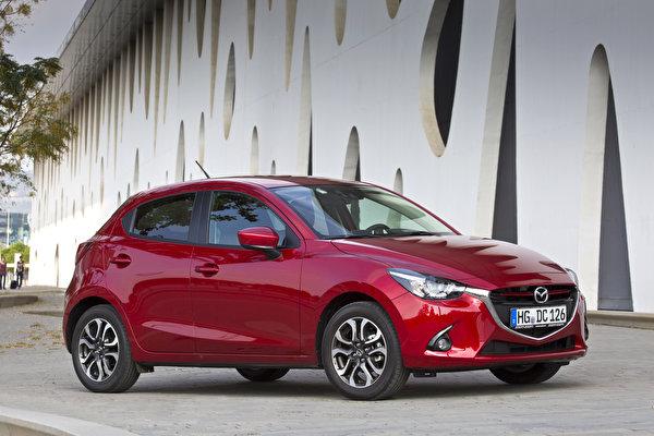 Sfondi del desktop 2014 Mazda 2 Bordeaux colore macchine metallico 600x400 bordò rosso scuro Auto macchina automobile autovettura Metallizzato