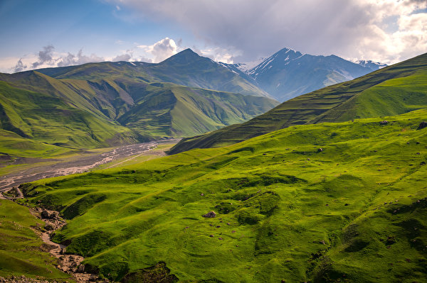 600x399 Montagnes Azerbaijan, Quba Nuage montagne Nature