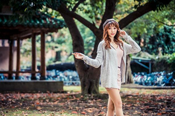 Bilder von Pose Mädchens asiatisches Starren 600x400 posiert junge frau junge Frauen Asiaten Asiatische Blick