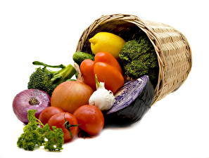 Pictures Vegetables Tomatoes Bell pepper Onion Wicker basket Food