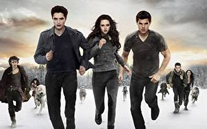 Wallpapers The Twilight Saga Breaking Dawn The Twilight Saga Kristen Stewart Robert Pattinson Taylor Lautner Running film Celebrities