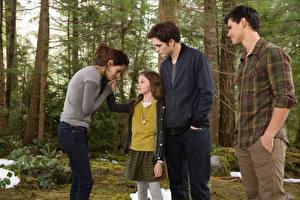 Images The Twilight Saga Breaking Dawn The Twilight Saga Kristen Stewart Robert Pattinson Taylor Lautner Movies Celebrities