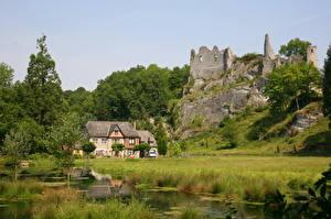Fotos Ruinen Belgien Burg Teich