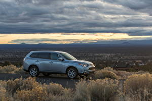 Image Mitsubishi Sky Clouds Side Grass 2014 Outlander SE automobile Nature