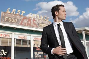 Bilder Mann Anzug Krawatte