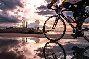 Wallpapers Bicycles Clouds Puddle Reflection athletic