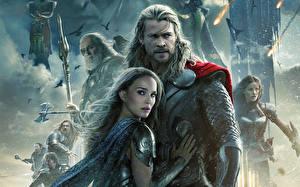 Photo Thor: The Dark World Man Warrior Chris Hemsworth Natalie Portman Armour Girls Celebrities