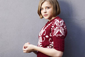 Fotos Chloe Grace Moretz Starren Dunkelbraun Sweatshirt Prominente Mädchens
