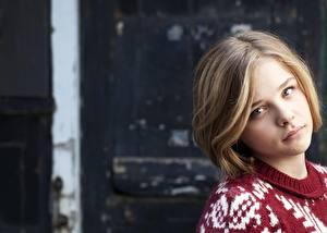 Desktop hintergrundbilder Chloe Grace Moretz Starren Gesicht Dunkelbraun Haar Frisur Prominente Mädchens