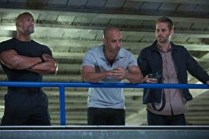 Bakgrundsbilder på skrivbordet The Fast and the Furious Fast & Furious 6 Vin Diesel Paul Walker Dwayne Johnson Män film Kändisar