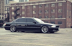 Photo BMW Black Side Parking 740 e38 automobile