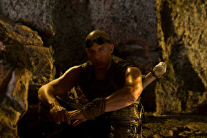 Bakgrundsbilder på skrivbordet Vin Diesel Män Riddick 2013 Filmer Kändisar