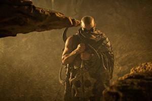 Bakgrundsbilder på skrivbordet Män Vin Diesel Krigare Riddick 2013 Filmer Kändisar