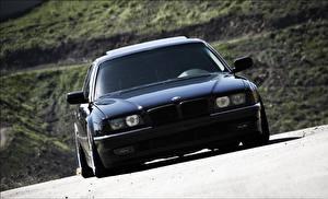 Bureaubladachtergronden BMW Zwart kleur Vooraanzicht 740 e38 automobiel