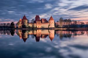 Bilder Litauen Burg See Wasser Trakai Lithuania