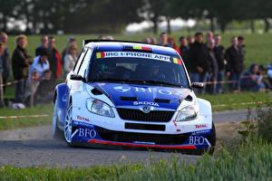 Fotos Skoda Vorne Fabia Autos Sport