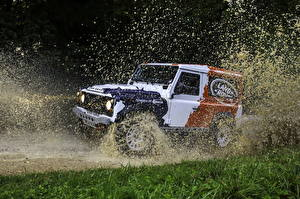 Fondos de escritorio Land Rover Agua Salpicaduras 2013 Defender Challenge Coches