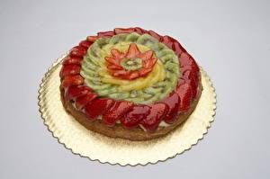 Bilder Süßware Torte Obst Erdbeeren Chinesische Stachelbeere Farbigen hintergrund Lebensmittel