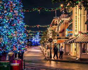 Fotos Vereinigte Staaten Disneyland Park HDR Kalifornien Anaheim Design Nacht Tannenbaum Lichterkette Städte