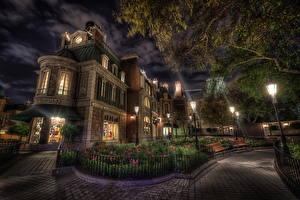 Fotos Vereinigte Staaten Park Disneyland Gebäude Kalifornien Design HDR Nacht Anaheim Straßenlaterne Städte