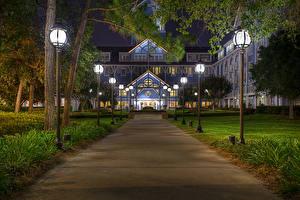 Bilder USA Disneyland Park Gebäude Kalifornien Anaheim Nacht Straßenlaterne Design HDR Gras Städte