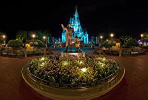 Fotos Vereinigte Staaten Disneyland Park Skulpturen Kalifornien Anaheim Design HDR Nacht Straßenlaterne Städte