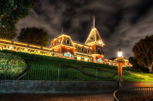 Hintergrundbilder Vereinigte Staaten Disneyland Park Kalifornien Anaheim Design Nacht Straßenlaterne HDRI Städte