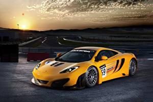 Sfondi desktop McLaren Tuning Giallo 2011 MP4-12C GT3 macchina