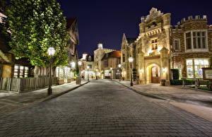 Fotos USA Disneyland Park Gebäude Kalifornien Design Anaheim HDR Nacht Straße Straßenlaterne Gehweg Städte