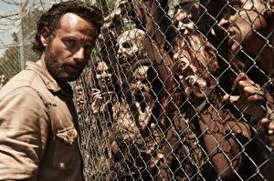 Desktop wallpapers Zombie Monsters Men The Walking Dead TV Andrew Lincoln Fence Movies Celebrities