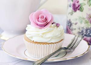 Hintergrundbilder Süßigkeiten Törtchen Großansicht Teller Gabel Lebensmittel